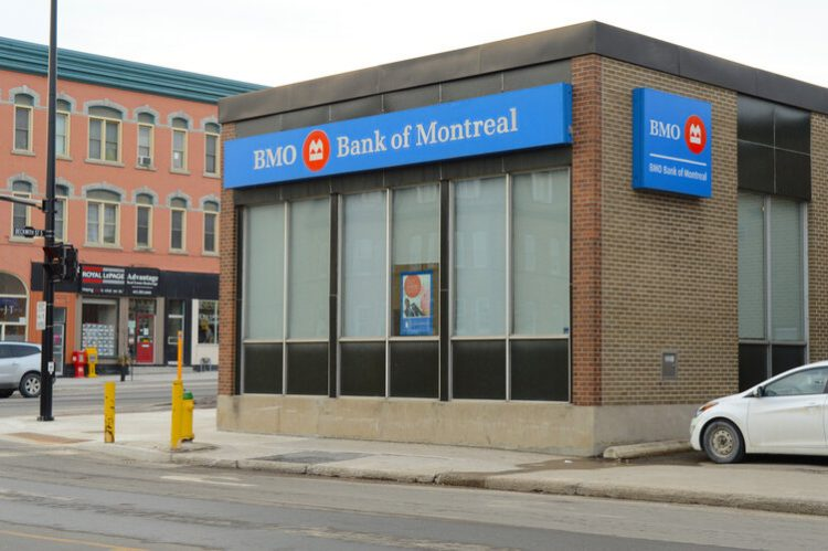 how to close bmo bank account